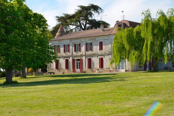 Chateau-Le-Raz-batiment.jpg